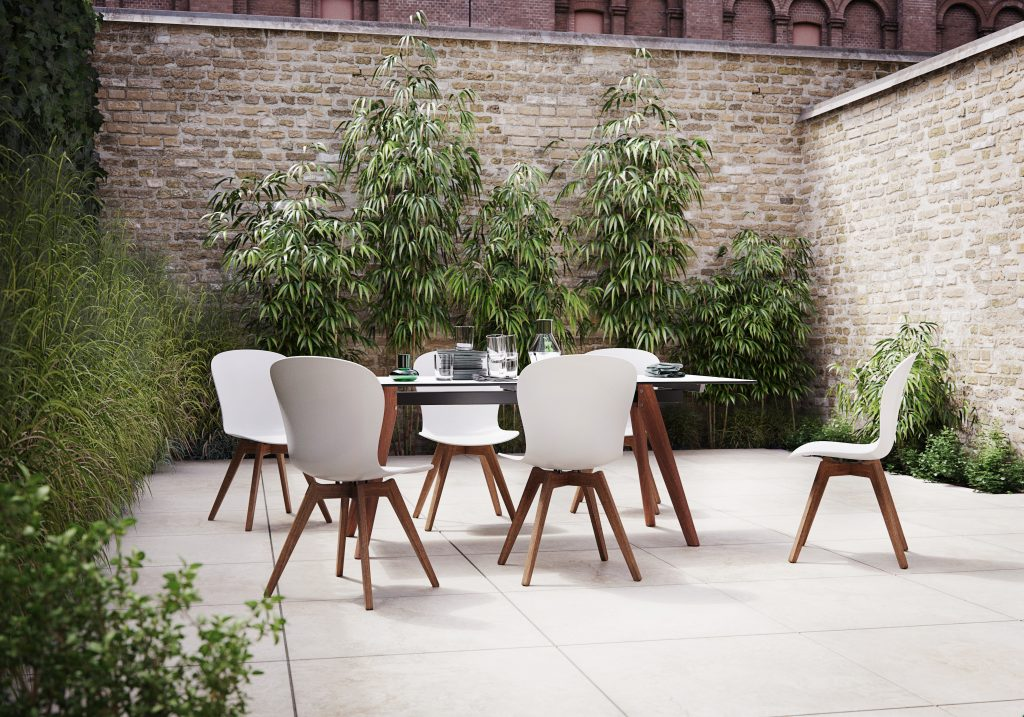 Outdoor dining by BoConcept