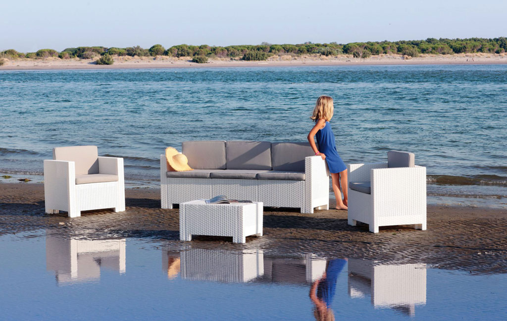 Brattan outdoor waterproof furniture and easy to maintain