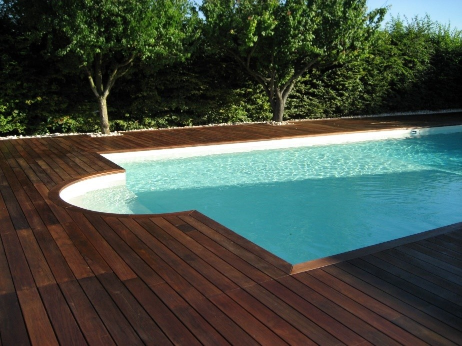 Outdoor decking finished in IPE