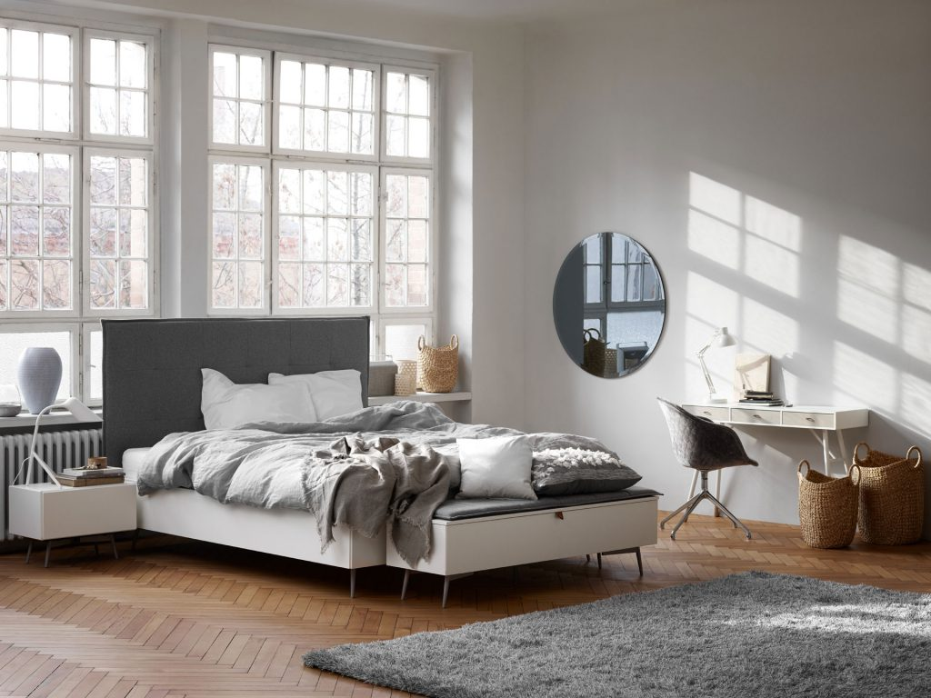 Scandinavian style bedroom and work area by BoConcept